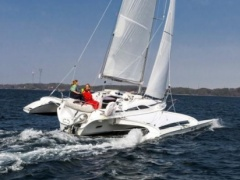 Dragonfly 28 Touring Trimaran