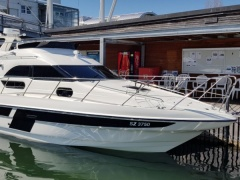 Sealine F 33 Flybridge Flybridge Yacht