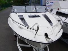 Parker 690 DC Day Cruiser Yacht a Motore
