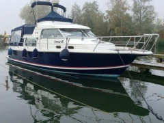 Nimbus 340 Commander Flybridge Yacht
