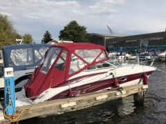 Crownline 250 CR Cuddy Cabin