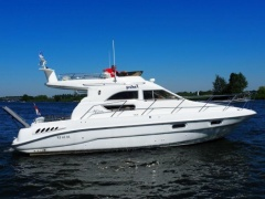 Sealine F33 Fantasy Flybridge Yacht