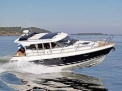 Aquador 35 AQ by Marine Center Goldach Hardtop Yacht