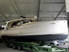 Greenline 33 Yacht a Motore