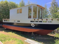 Guy Couach Katla House Boat