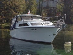 Trojan 26 Pilothouse