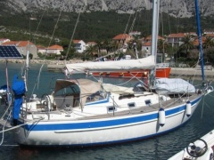 Najad 320 under contract Yate a vela