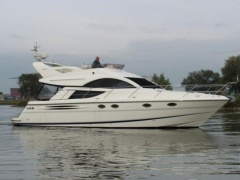Fairline Phantom 43 Flybridge Yacht
