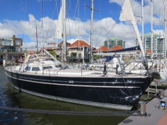 Contest 44CS Sailing Yacht