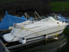 Chaparral 240 Signature Pilothouse Boat