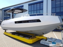 Invictus 280 GT Carbon-Top Yacht a Motore