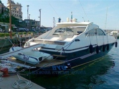 Pershing 60 Yacht a Motore