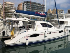 Robertson&Caine Leopard 39 Axis Yate a vela
