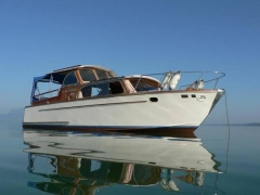 Rohn 820 Pilothouse Boat