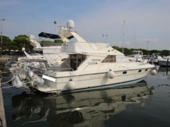 Fairline 43 Flybridge Yacht