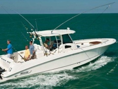 Boston Whaler 380 Outrage Cruiser Yacht