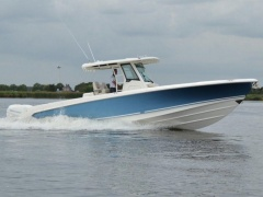Boston Whaler 330 Outrage Deck-boat