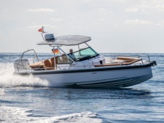 AXOPAR 28 T-Top Deck Boat