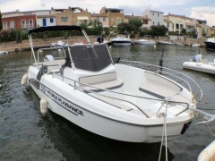 Bénéteau Flyer 7.7 Spacedeck Deck-boat