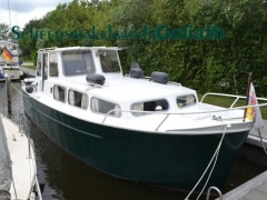One Off Motorboot Catamaran