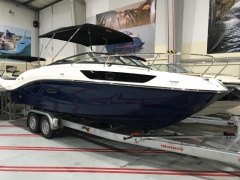 Sea Ray 230 SSE Cuddy Cabin