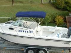 Boston Whaler Conquest 205 Daycruiser