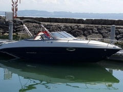 Stingray 225 CR Motor Yacht