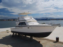 Bertram 43 Convertible Flybridge Yacht