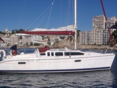 Hunter Boats Legend 336 Yate a vela
