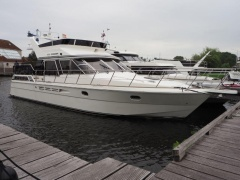 President 535 Yacht a Motore