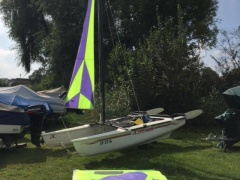 Hobie Cat Dragoon Catamarano