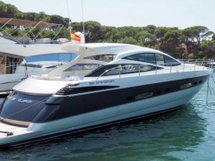 Pershing 56 mit Arneson Surface Drive Hardtop Yacht