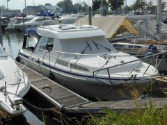Saga 310 HT Hard Top Yacht