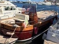 Apreamare 9 Semi Cabinato Deck Boat