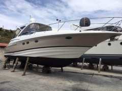 Regal 4460 Commodore Yacht a Motore