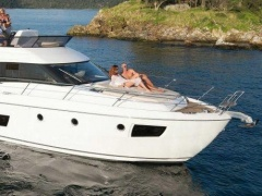 Bavaria 420 Virtess Flybridge Yacht