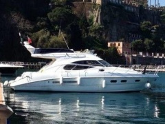 Sealine F42.5 Flybridge Yacht