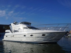 Pearl 43 Yacht a Motore