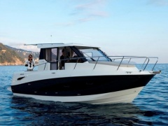 Quicksilver 855 Weekend Cruiser Yacht