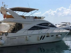 Sealine T50- 2011 Flybridge Yacht