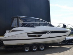 Cobrey 33 HT Hard Top Yacht
