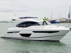 Princess S 60 Flybridge Yacht
