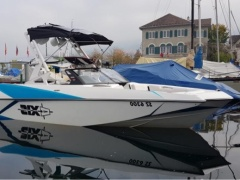 Axis A22 by Malibu Wakeboard / Water Ski