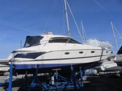 Elan 35 Power Hardtop Yacht
