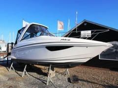 Regal 28 Express Sportboot