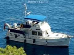 Grand Banks 42 Motoryacht Flybridge Yacht