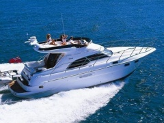 Sealine F43 Flybridge Yacht