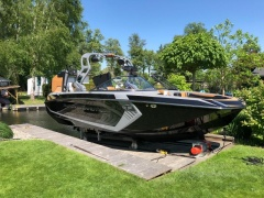 Correct Craft Nautique G23 Wakeboard / Wasserski