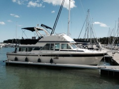 Chris Craft Corinthian 380 Flybridge Yacht
