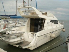 Azimut Az 40 Fly Flybridge Yacht